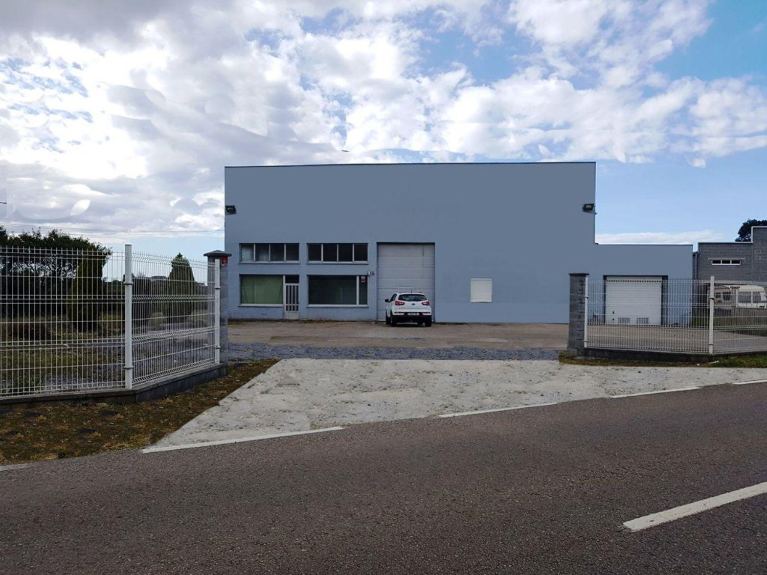 Warehouse for sale in Navia